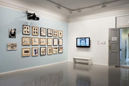 Stiller seg spørrende til Kunstkritikk