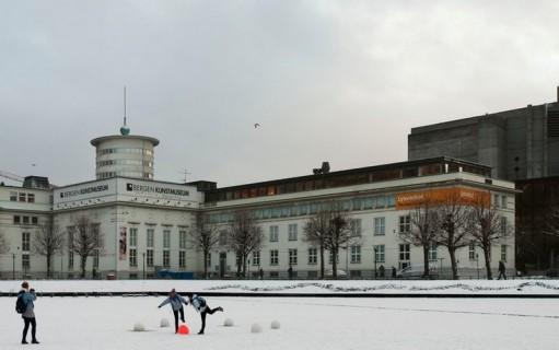 Stort debattmøte om kunstkritikk i Bergen