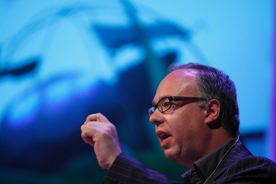 Charles Esche kurator for Sao Paolo-biennalen