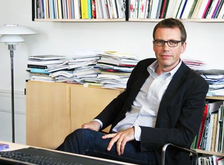 Fem år mere til Mikkel Bogh