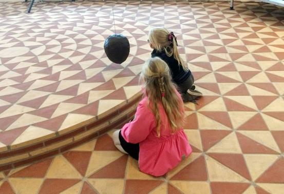 Satser på kritikk av kunst i offentlige rom